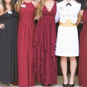 Lulu's Formal Dress/Gown (MIDDLE DRESS)